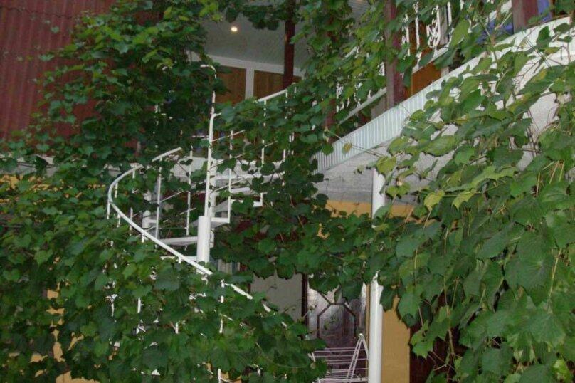 """Гостевой дом """"На Розы Люксембург 61"""", улица Розы Люксембург, 61 на 9 комнат - Фотография 42"""