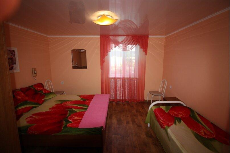 Четырехместный двухкомнатный на втором этаже., улица Шевченко, 7, Ейск - Фотография 1