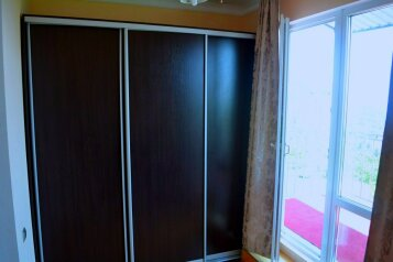 Двухкомнатный номер с балконом с видом на море на 3-5 человек на 5 человек, 2 спальни, улица Голицына, Новый Свет, Судак - Фотография 4