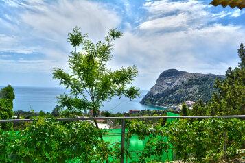 Двухкомнатный номер с балконом с видом на море на 3-5 человек на 5 человек, 2 спальни, улица Голицына, Новый Свет, Судак - Фотография 1