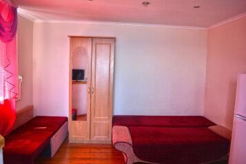 Комната студия с балконом на 2-3 человека с видом на море, 20 кв.м. на 3 человека, 1 спальня, улица Голицына, Новый Свет, Судак - Фотография 3