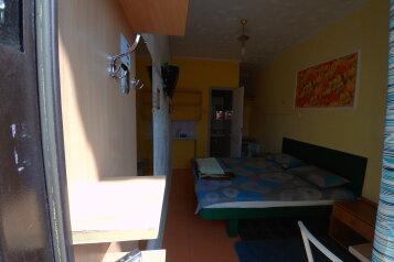 Гостевой дом, улица Красных Партизан, 24 на 3 номера - Фотография 1