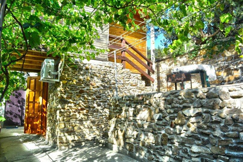 Двухуровневый деревянный домик со всеми удобствами, 13 кв.м. на 2 человека, улица Голицына, 12, Новый Свет, Судак - Фотография 2