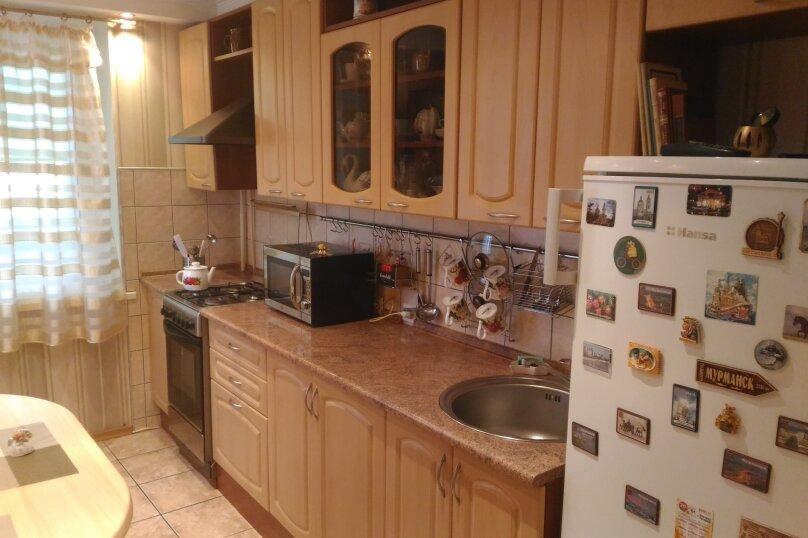 3-комн. квартира, 65 кв.м. на 5 человек, улица Суворова, 25Б, Калининград - Фотография 1