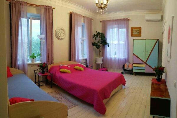 Дом/часть дома/аппартамент, 60 кв.м. на 8 человек, 2 спальни, Таврическая, 22, Ялта - Фотография 1