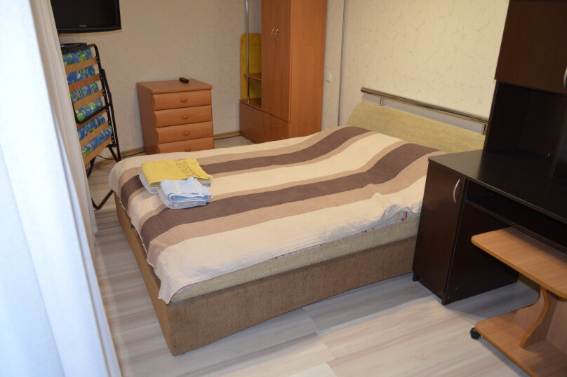 """Гостиница """"На Дмитриева 7"""", улица Дмитриева, 7 на 4 комнаты - Фотография 28"""