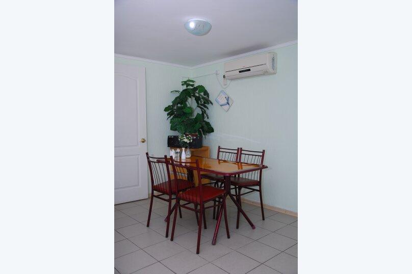 """Мини-отель """"Пансион Кафа"""", улица Листовничей, 24 на 26 комнат - Фотография 17"""