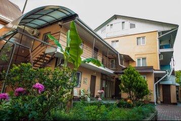 Гостевой дом, улица Богдана Хмельницкого, 49Б на 23 номера - Фотография 1