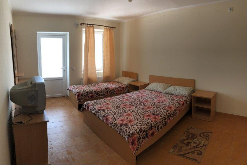 Гостевой дом ЛЕТО, Роз, 88 на 10 номеров - Фотография 8