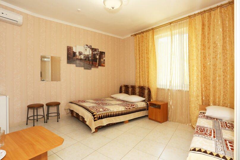 Двухкомнатный 5-ти местный люкс, Приморская улица, 11Д, Береговое, Феодосия - Фотография 1