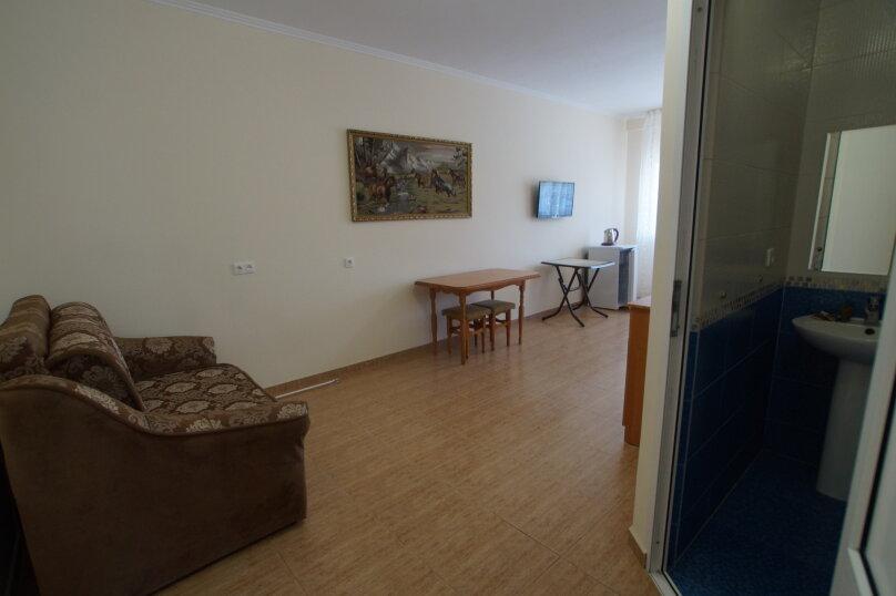 """Гостевой дом """"На Мира 98"""", улица Мира, 98 на 4 комнаты - Фотография 13"""