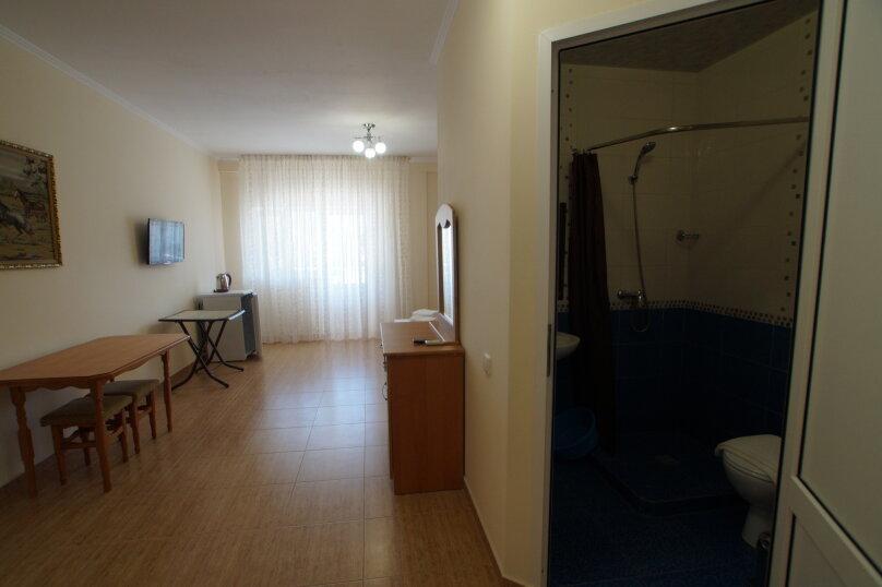"""Гостевой дом """"На Мира 98"""", улица Мира, 98 на 4 комнаты - Фотография 14"""