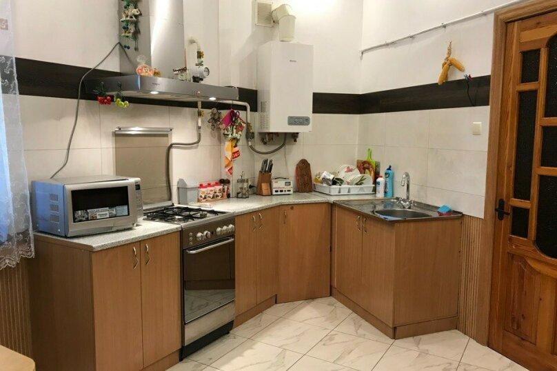 2-комн. квартира, 68 кв.м. на 4 человека, Поликуровская улица, 7, Ялта - Фотография 1