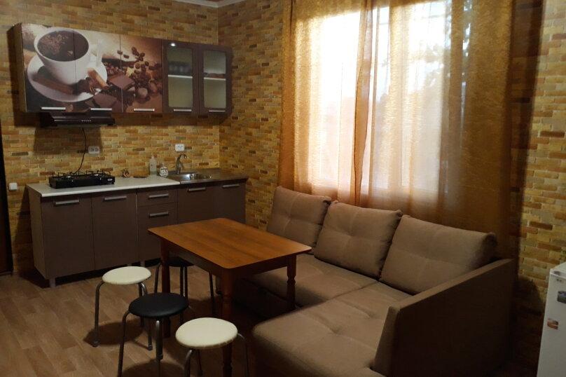 Дом, 56 кв.м. на 6 человек, 2 спальни, Георгиевская, 38, Судак - Фотография 1