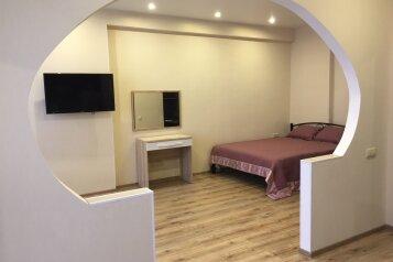 1-комн. квартира, 42 кв.м. на 3 человека, улица Парковая, 12, Севастополь - Фотография 2