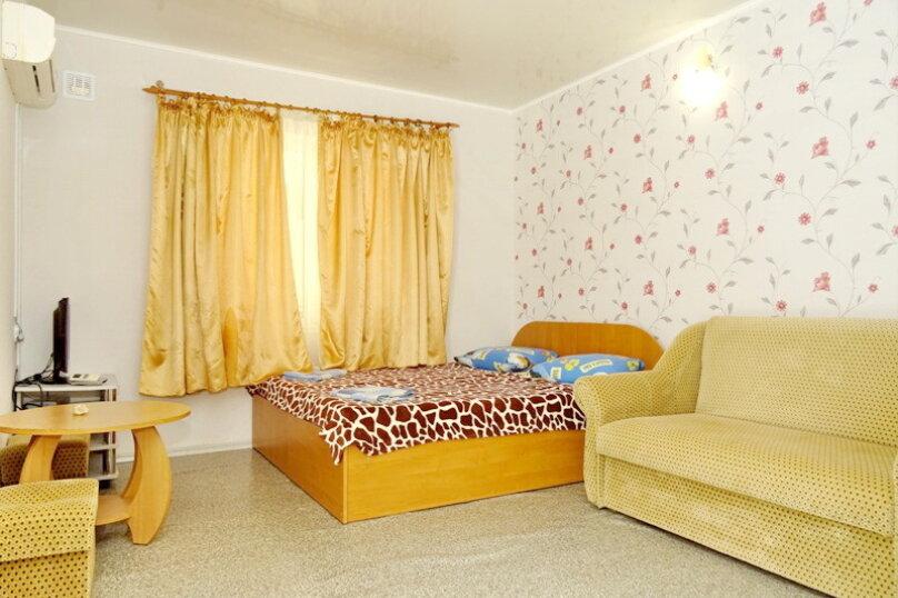"""Гостевой дом """"Сабина"""", Парниковая улица, 2 на 9 комнат - Фотография 5"""