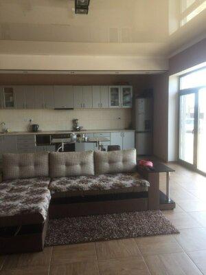 Дом, 170 кв.м. на 5 человек, 2 спальни, Дружбы, 23, Штормовое - Фотография 1