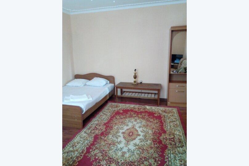 """Гостевой дом """"У Кристины"""", улица Чкалова, 67 на 14 комнат - Фотография 2"""