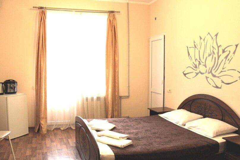 Double (стандартный 2-х местный номер с большой кроватью), Весёлая улица, 86А, Адлер - Фотография 3