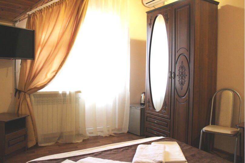 Double (стандартный 2-х местный номер с большой кроватью), Весёлая улица, 86А, Адлер - Фотография 6