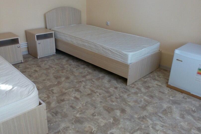 Стандарт 3х.местный с диваном, Н.Жердева, 42, Черноморское - Фотография 5