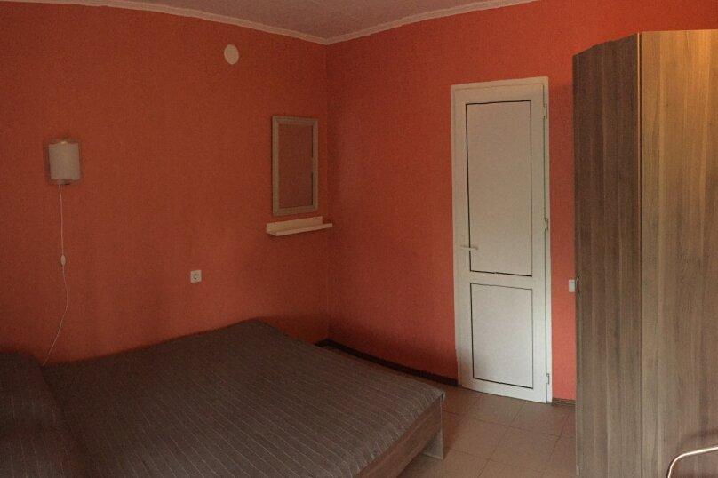 Отдельная комната, улица Ленина, 49В, Морское - Фотография 1