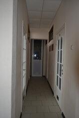 Гостиница, улица 40 лет Победы на 1 номер - Фотография 1