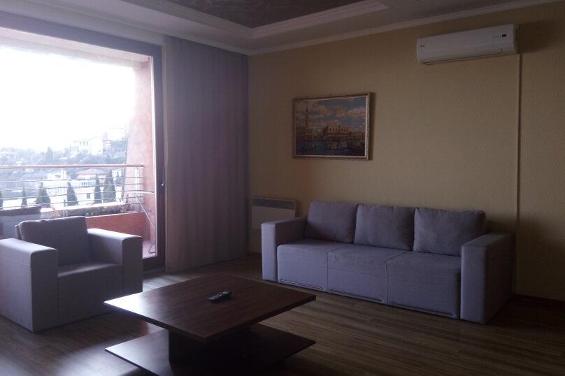 2-комн. квартира, 88 кв.м. на 4 человека, улица Строителей, 3, Гурзуф - Фотография 1