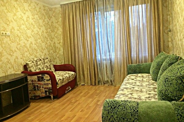 2-комн. квартира, 47 кв.м. на 5 человек, улица Гринченко, 30, Центр, Геленджик - Фотография 1