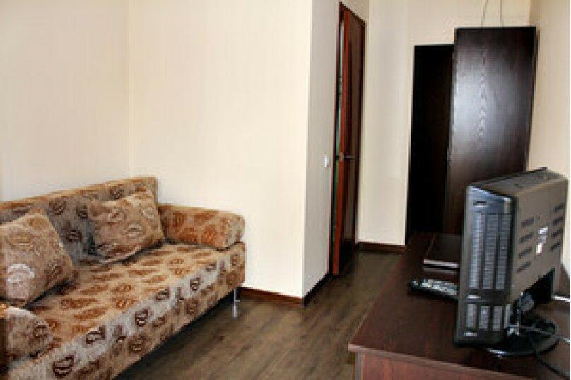 """Гостевой дом """"Глория"""", Лиманная улица, 1А на 16 комнат - Фотография 17"""