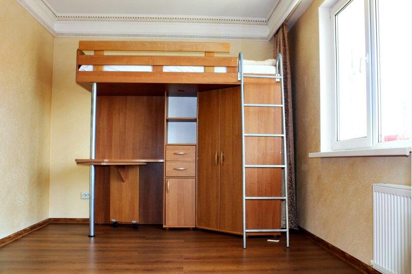 """3-х комнатный """"Семейный"""" номер, Лиманная улица, 1А, Темрюк - Фотография 1"""