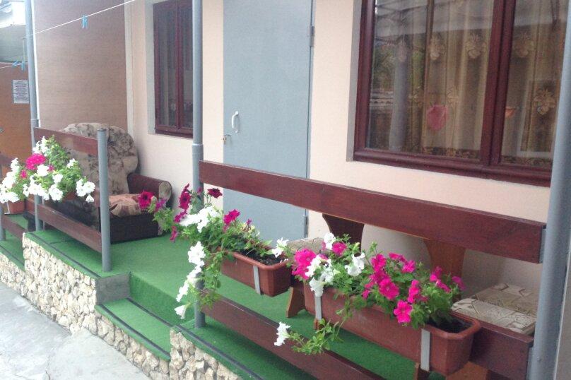 Номер с террасой 2, улица Стамова, 32, Феодосия - Фотография 1