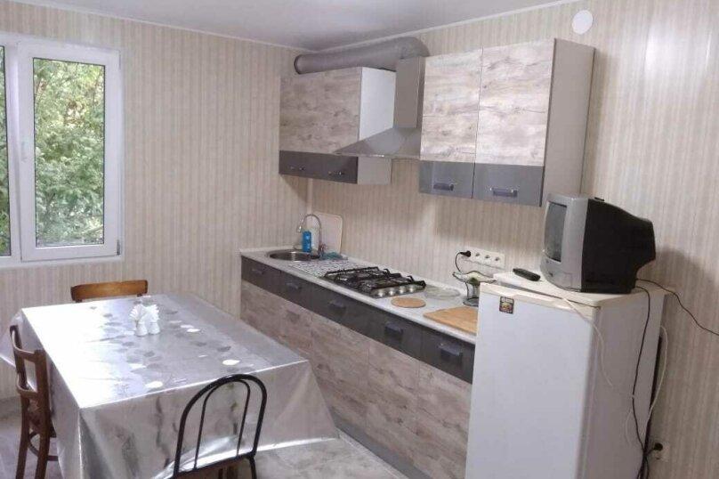 """Гостевой дом """"На Мирной 32"""", Мирная улица, 32 на 3 комнаты - Фотография 13"""