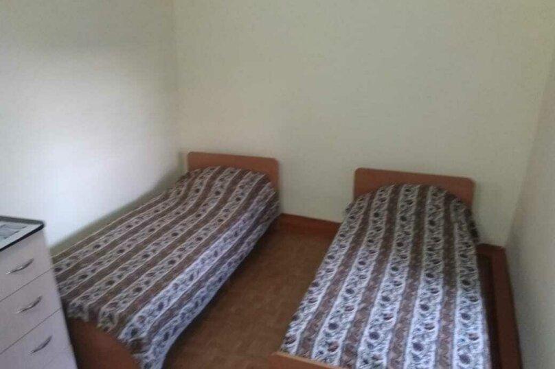 """Гостевой дом """"На Мирной 32"""", Мирная улица, 32 на 3 комнаты - Фотография 14"""
