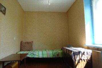 4-комн. квартира, 60 кв.м. на 3 человека, улица Полежаева, Саранск - Фотография 1