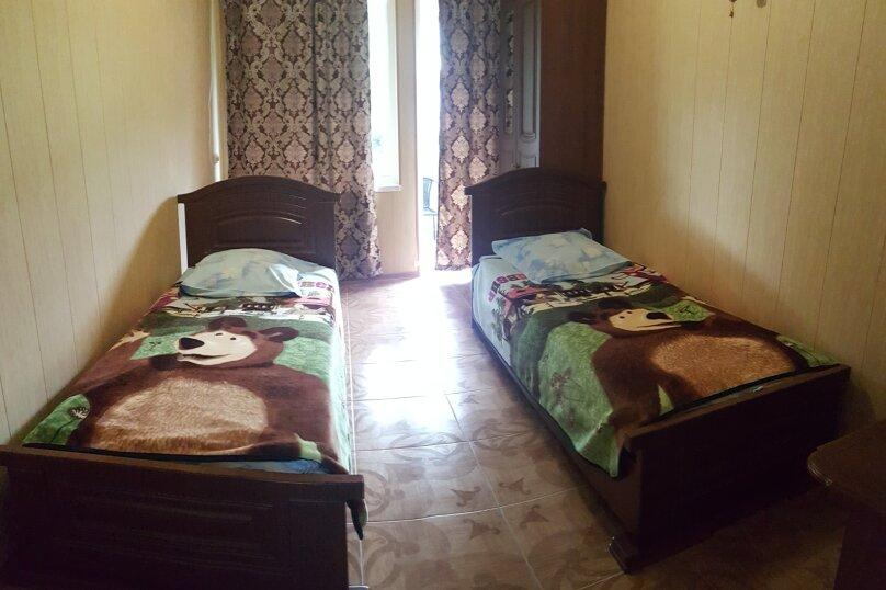 Улучшенный 2-х местный номер сдвумя односпальными кроватями, Советская улица, 200, село Сукко - Фотография 1