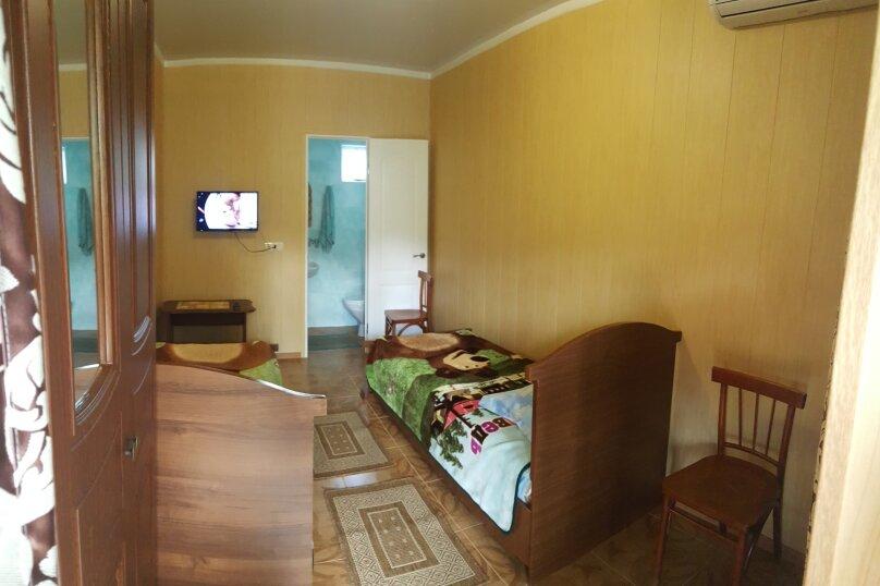 Гостевой дом Цветущий сад, Советская улица, 200 на 10 комнат - Фотография 8