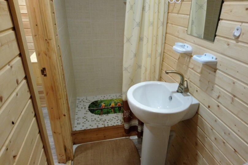 Двухуровневый маленький деревянный домик на берегу моря., 15 кв.м. на 4 человека, 1 спальня, улица Герцена, 25, Геленджик - Фотография 10