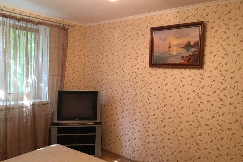 2-комн. квартира, 46 кв.м. на 5 человек, улица Чехова, 16, Феодосия - Фотография 3