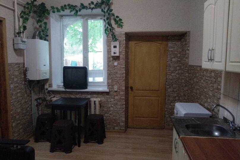 Дом с отдельным двором , 30 кв.м. на 5 человек, 1 спальня, улица 8 Марта, 12, Феодосия - Фотография 7