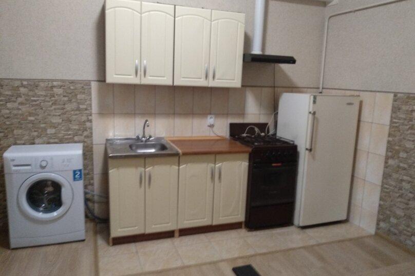 Дом с отдельным двором , 30 кв.м. на 5 человек, 1 спальня, улица 8 Марта, 12, Феодосия - Фотография 8