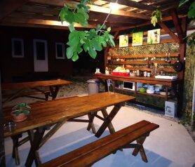 Двухуровневый комфортный деревянный домик на берегу моря., 15 кв.м. на 4 человека, 2 спальни, улица Герцена, Геленджик - Фотография 4