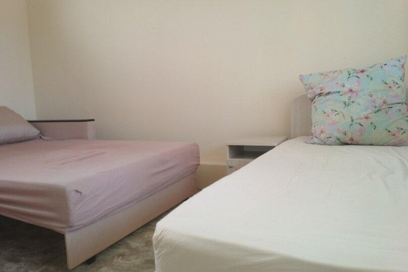 Стандарт 3х.местный с диваном, Н.Жердева, 42, Черноморское - Фотография 6