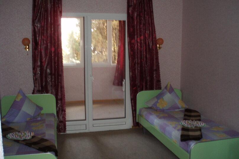 Двухкомнатный номер с раздельными кроватями, улица Ленина, 110, Коктебель - Фотография 1