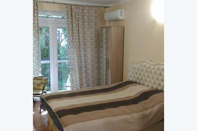"""Гостевой дом """"На Баранова 18А"""", улица Баранова, 18А на 4 комнаты - Фотография 2"""