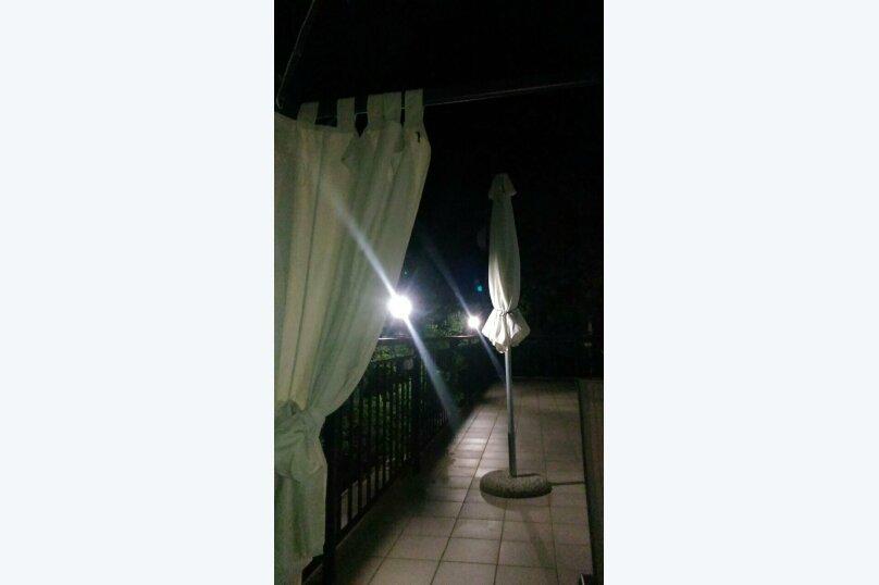 """Гостевой дом """"На Баранова 18А"""", улица Баранова, 18А на 4 комнаты - Фотография 12"""