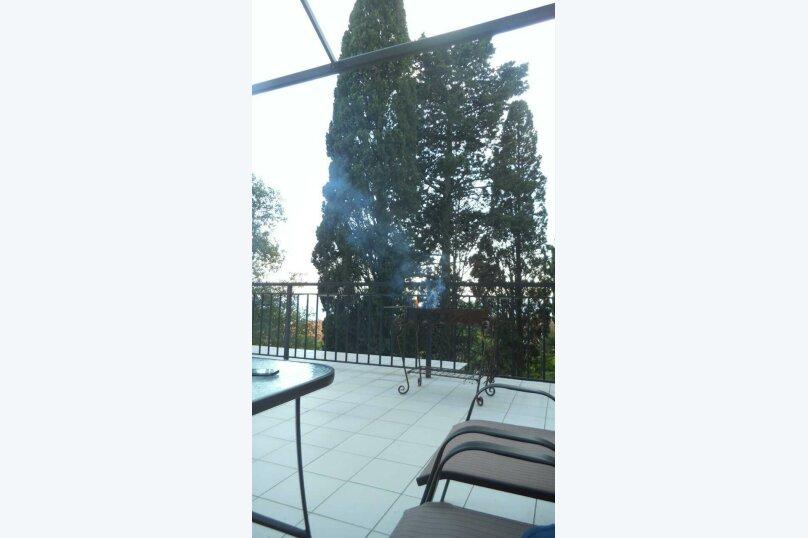 """Гостевой дом """"На Баранова 18А"""", улица Баранова, 18А на 4 комнаты - Фотография 13"""