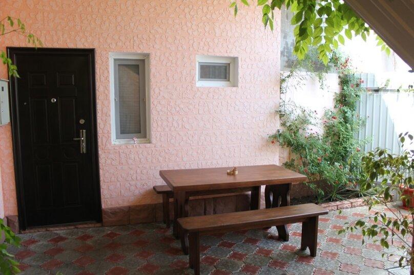 Дом, 50 кв.м. на 6 человек, 3 спальни, Интернациональная улица, 45, Евпатория - Фотография 1