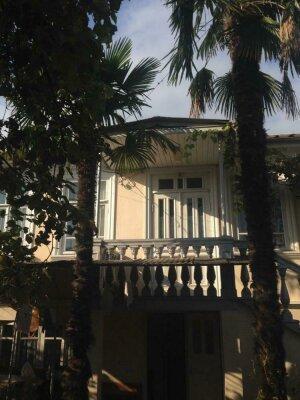 Частный дом, улица В.Г. Ардзинба, 164 на 3 номера - Фотография 1