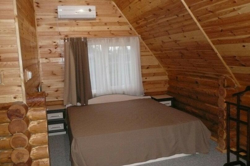 2 местный номер в деревянном доме. Сруб, улица Мира, 9, Новофёдоровка, Саки - Фотография 1